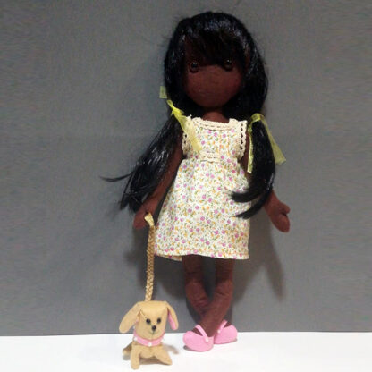 muñeca decorativa hecha a mano