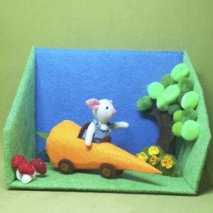 Boby Rabbit en su zanahoria móvil