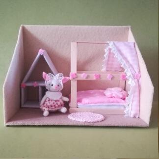 Lili Bunny en su habitación