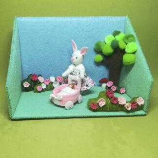 Lola Bunny de paseo con su muñeca